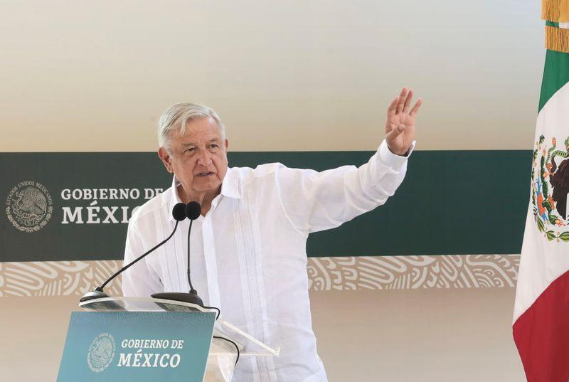 Presidente do México comemora anulação de condenações de Lula