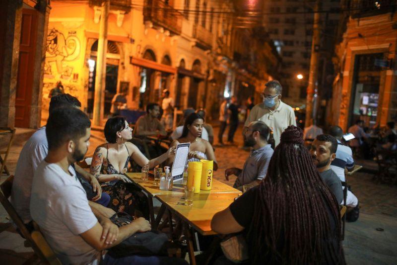 Brasil abre 401.639 vagas formais de trabalho em fevereiro, mostra Caged