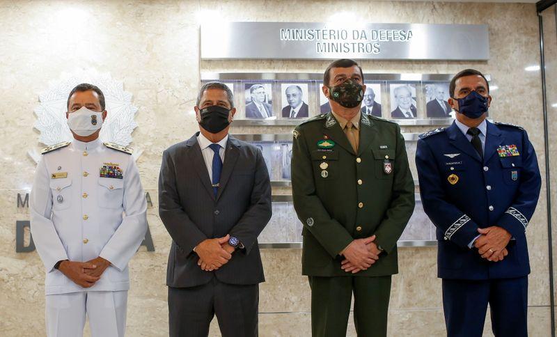 Braga Netto anuncia novos comandantes e reforça compromisso das Forças Armadas com democracia