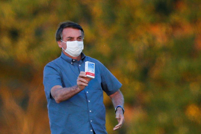 """Anvisa registra multiplicação de reações adversas a medicamentos do """"kit Covid"""" defendido por Bolsonaro"""