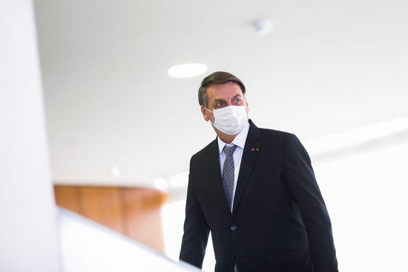 Bolsonaro diz que STF interfere em outros Poderes após decisão sobre CPI da Covid