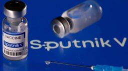 Consórcio Conectar negocia 30 milhões de doses de vacina Sputnik V