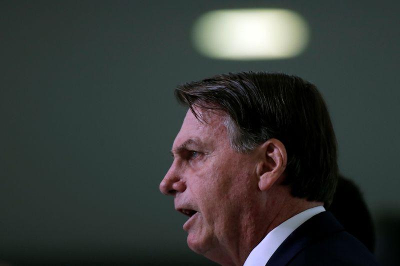 Bolsonaro questiona futuro do Brasil após decisão do STF de tornar Lula elegível