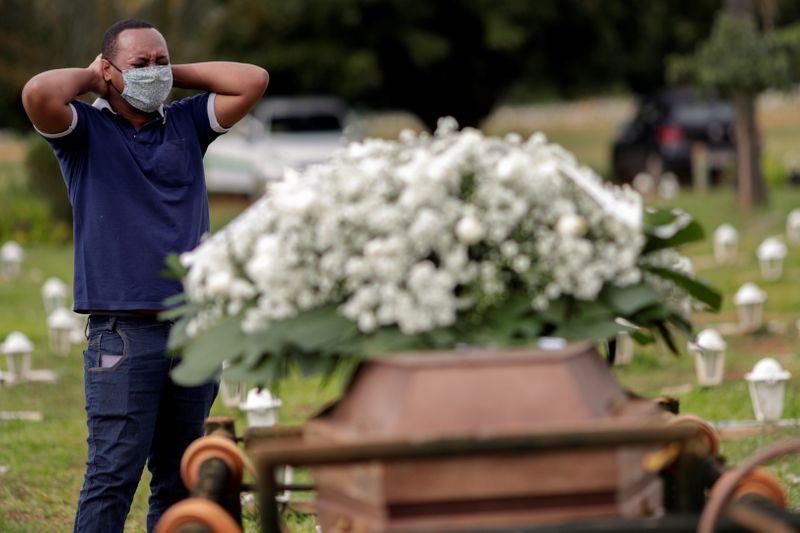 Brasil registra 3.001 novas mortes por Covid-19 e total passa de 400 mil
