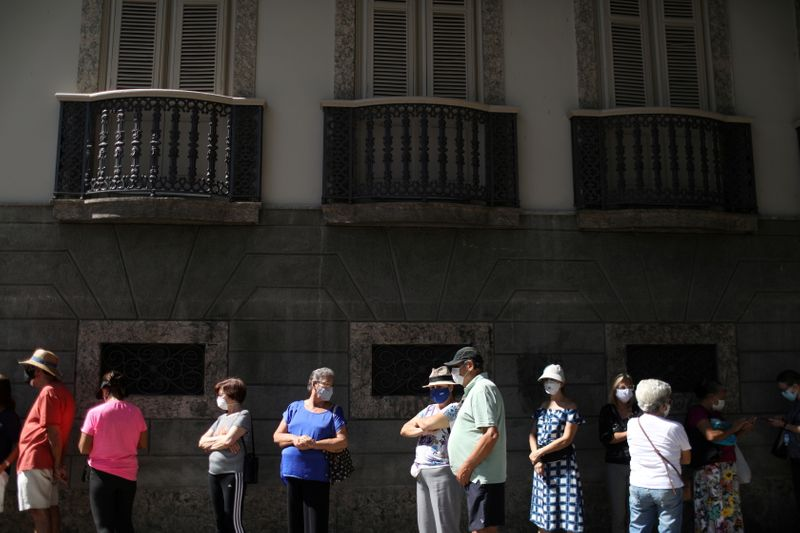 Prefeitura do Rio prorroga restrições contra Covid-19 até 10 de maio