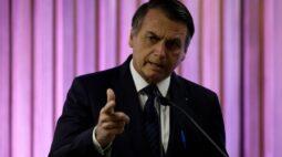 """""""Se encontrar ilícito mete fogo"""", diz Bolsonaro em nova defesa do uso de armas"""
