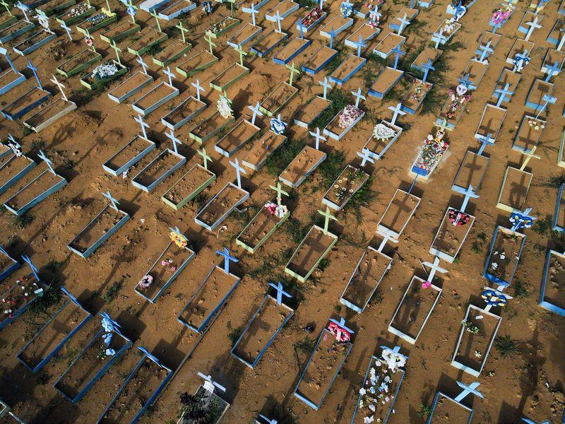 Brasil tem 595 mortes por Covid-19, total chega a 533.488
