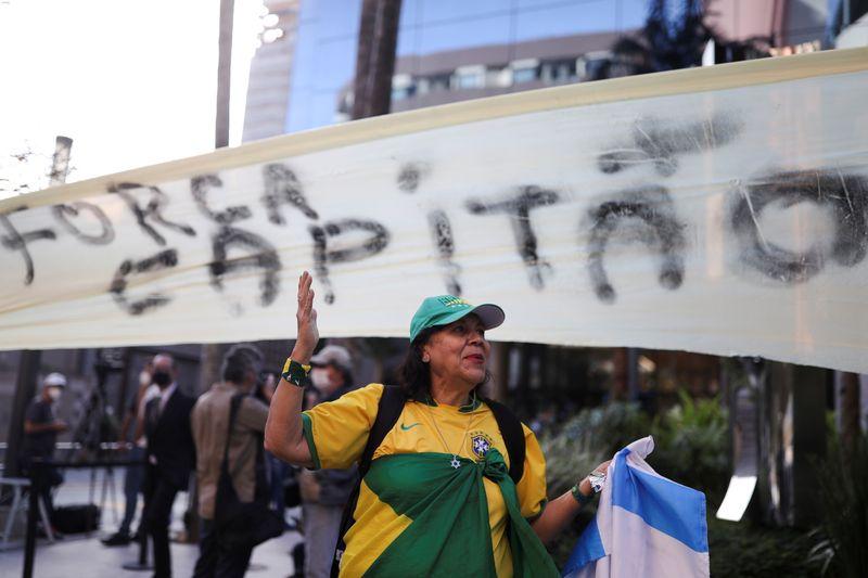 """Bolsonaro diz que está bem e """"louco para voltar para trabalhar"""""""