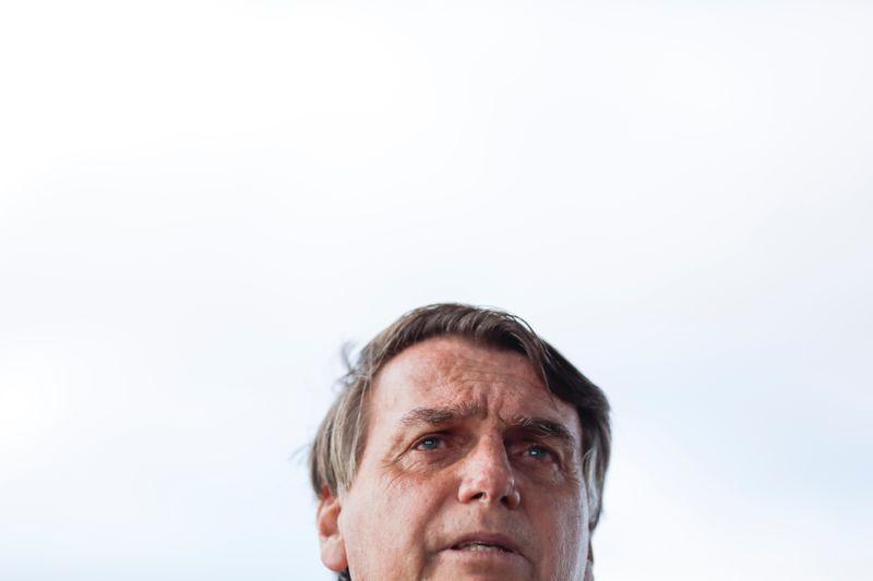 Povo vai reagir se eleições em 2022 não forem democráticas, diz Bolsonaro