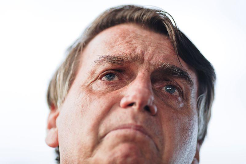 Bolsonaro acusa STF de cometer crime e de produzir notícia falsa
