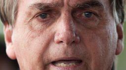 Bolsonaro volta a atacar Barroso e diz ser mentira chamar voto impresso de retrocesso