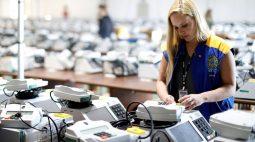 Bolsonaro defende que Brasil use sistema de votação do Paraguai