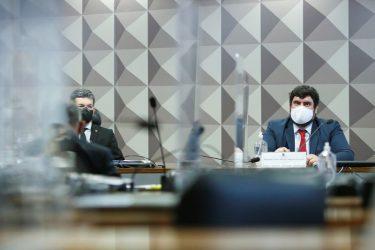 CPI da Covid aprova convocação de ex-mulher de Bolsonaro para depor