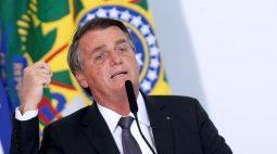 Bolsonaro elogia seus ministros e diz que velha política ficou para trás