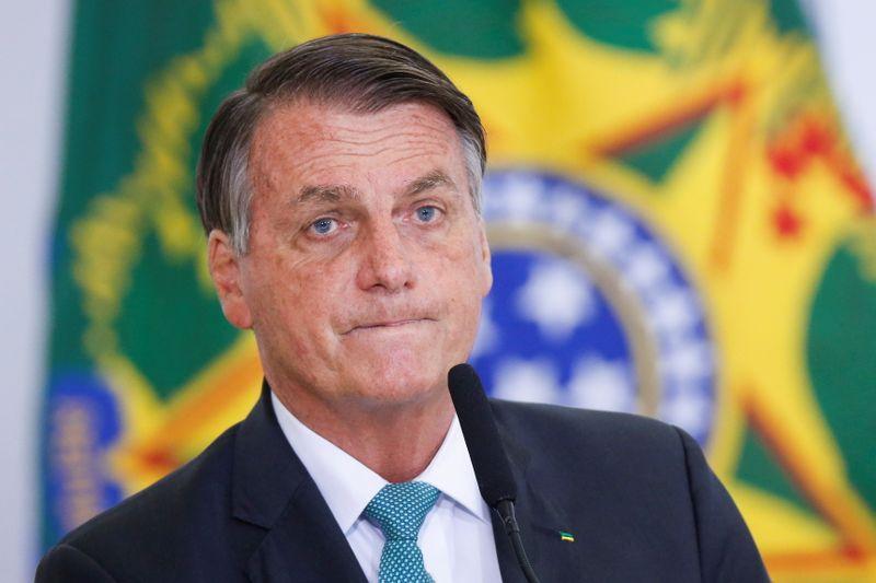 Bolsonaro faz teste e tem resultado negativo para Covid-19