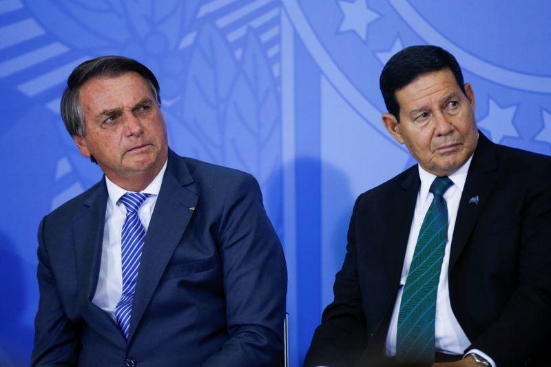 Corregedor do TSE envia relatório de ações que pedem cassação de Bolsonaro à PGE