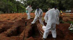 Com 1.641 novas mortes, Brasil registra recorde de óbitos por Covid-19 em um dia