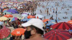 Rio de Janeiro adota restrições e toque de recolher para conter Covid-19