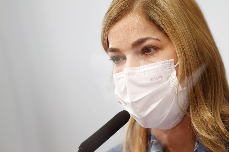 À CPI, secretária Mayra Pinheiro reitera defesa da cloroquina, apesar de contestações