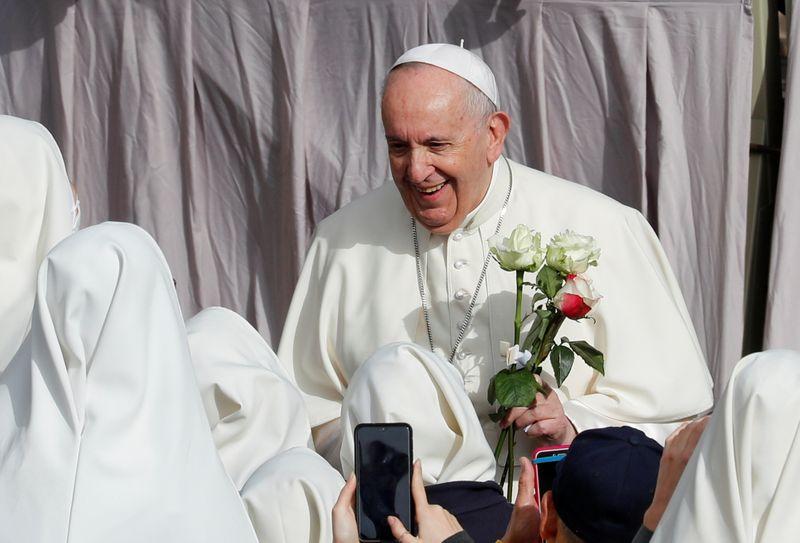 """Papa brinca com padres sobre Brasil: """"não tem salvação, é muita cachaça e pouca oração"""""""