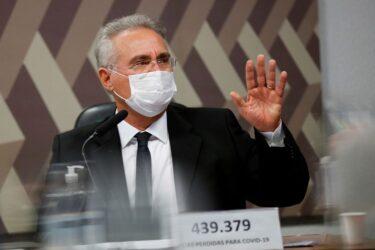 Vidas poderiam ter sido salvas com comportamento público do governo em favor da ciência, diz Calheiros