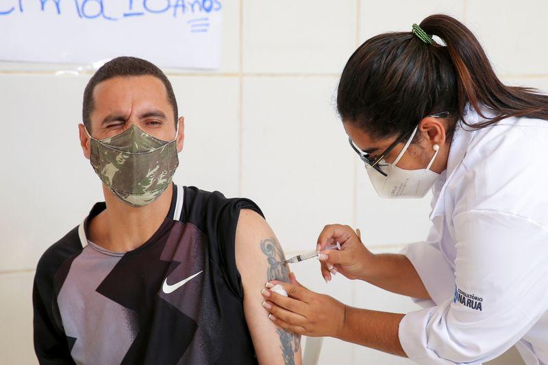 Brasil poderia ter mesmo resultado de Serrana não fosse atraso na vacinação, diz Doria