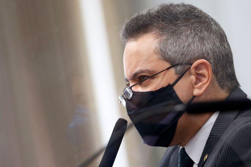 Relator da CPI aponta 8 contradições em depoimento de sub de Pazuello