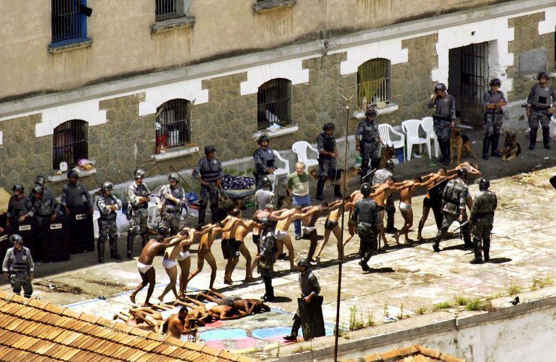 STJ restabelece condenaçõesde policiais por massacre do Carandiru