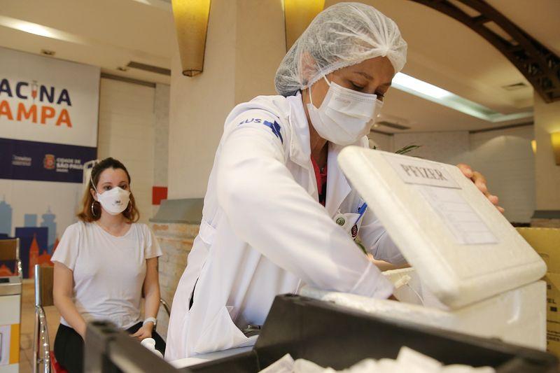 Com falta de vacinas contra Covid, algumas capitais suspendem aplicação de 1ª dose