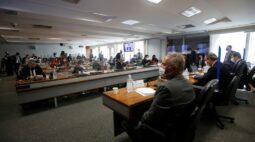 CPI aprova convite a servidor envolvido em importação da Covaxin; deputado diz que avisou Bolsonaro de pressão