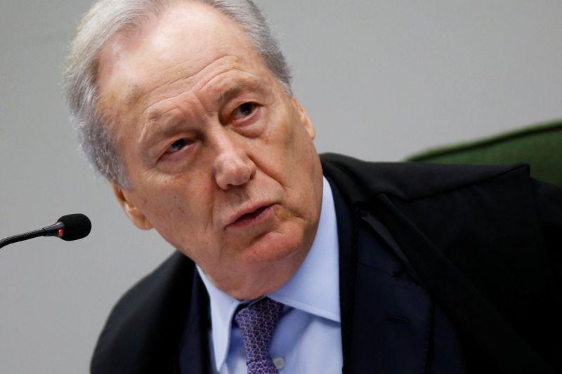 Lewandowski pede manifestação da CPI em 5 dias sobre adiamento de depoimento de Barros