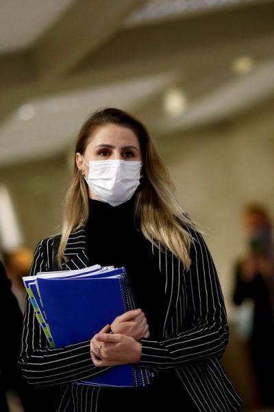 Ex-coordenadora do PNI diz que faltou vacina e campanha publicitária ao Brasil