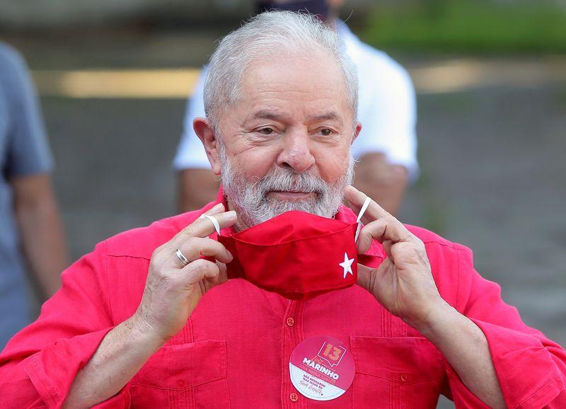 Lula amplia vantagem sobre Bolsonaro para eleição de 2022, diz Datafolha