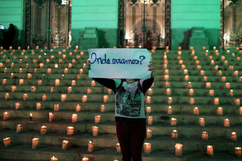 Brasil supera 19 milhões de casos de Covid e chega a 531.688 mortos