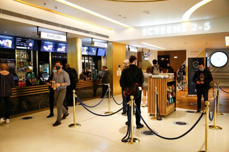 """""""Tenet"""", de Christopher Nolan, coloca à prova vontade do público de voltar ao cinema"""