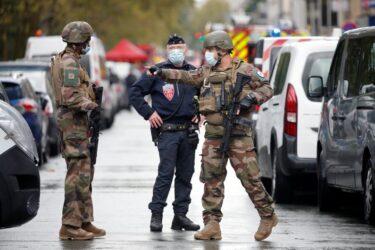 Agressor de Paris queria atear fogo na redação do Charlie Hebdo, diz procurador