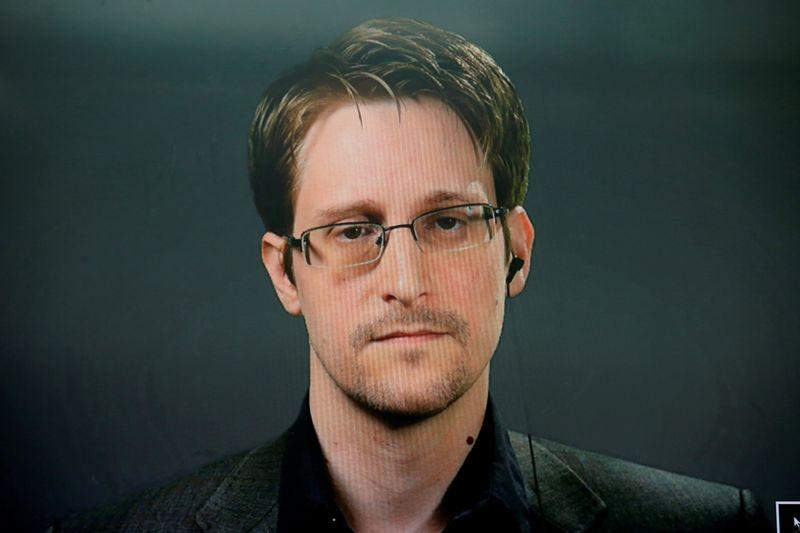 Renda de livro de Edward Snowden deveria ser do governo dos EUA, diz corte