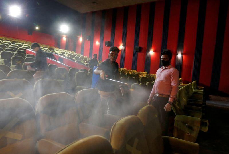 Índia reabre cinemas após 8 meses, mas sem estreias de Bollywood