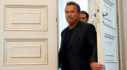 """Arnold Schwarzenegger diz que se sente """"fantástico"""" após cirurgia no coração"""