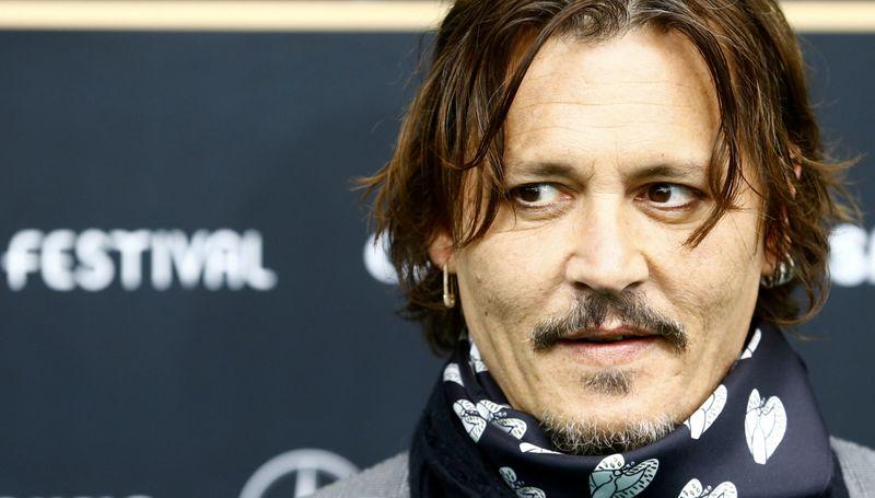 Veredicto em ação de Johnny Depp contra jornal que o acusou de espancar esposa sairá em 2 de novembro