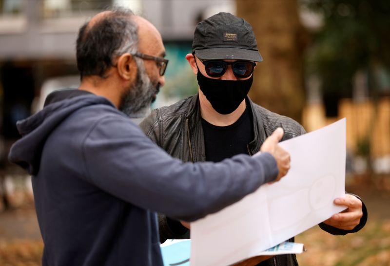 Reproduções doadas a londrinos por artista de rua STIK são roubadas