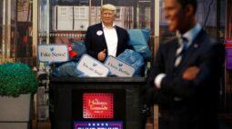 Museu Madame Tussaud de Berlim coloca Trump no lixo antes de eleição dos EUA