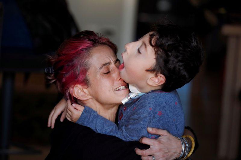 Influenciador italiano de 7 anos desafia estereótipos da deficiência