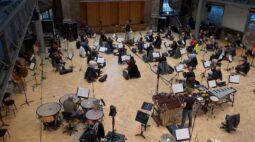 Exames rápidos de Covid-19 permitem que orquestra de Londres volte a ensaiar