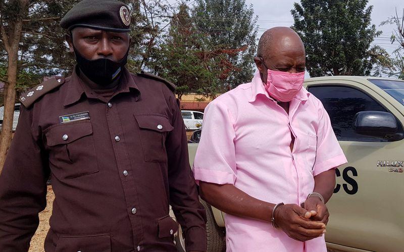 """Herói de """"Hotel Ruanda"""" diz que foi sequestrado e vendado antes de prisão"""