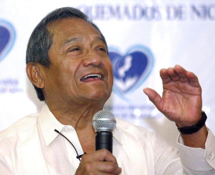 Cantor mexicano Armando Manzanero morre aos 85 anos