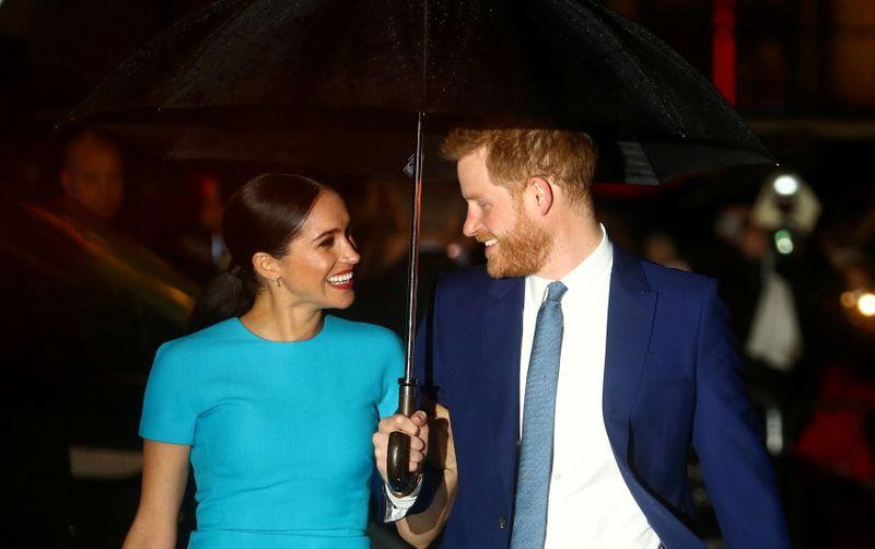 """""""O amor vence"""", dizem Harry e Meghan em reflexões sobre 2020 de 1º podcast"""