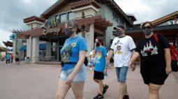 Atores do Walt Disney World irão voltar ao trabalho após empresa oferecer testes de Covid-19