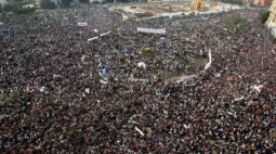 Egito prende cartunista em 10º aniversário de levante, dizem fontes