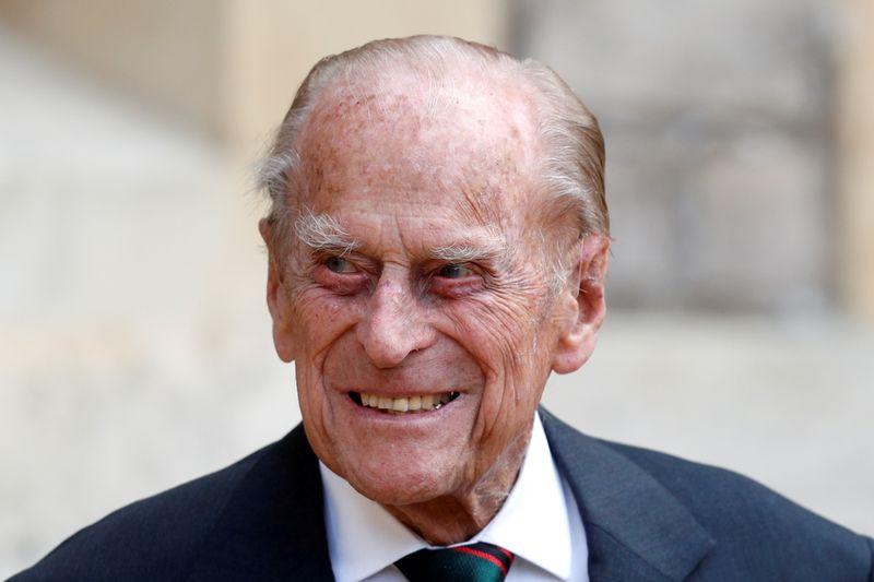Príncipe britânico Philip passa sétima noite no hospital